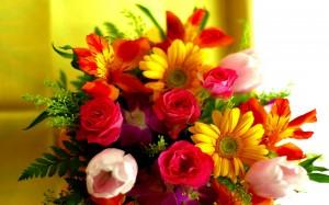 Buchet de Flori Lalele, Gerbera, Trandafiri