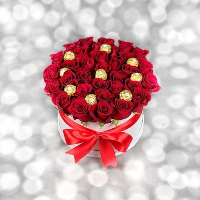 Aranjament Trandafiri Ferrero